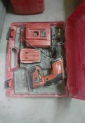 Visseuse HILTI sur batterie - dans sa boîte