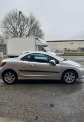 Peugeot 207 cabriolet à professionnel de garage ou démolisseur agréé