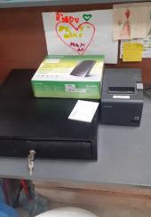 Tiroir-caisse imprimante et routeur