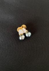 ALPA MECAN - Paire de boucles d'oreilles fermoir or jaune 18k ornée d'une perle