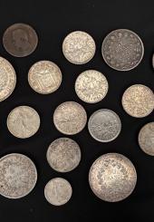 Lot de pièces en argent comprenant